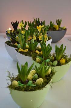 wielkanocne-dekoracje-kwiatowe