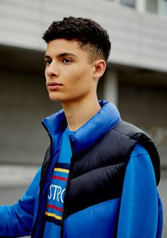 Discover the new Spring Summer 2020 collection for women and men at PULL&BEAR. Discover the latest trends in clothing, shoes and accessories. Aw 2018, Down Vest, United Kingdom, Back To School, Latest Fashion, Latest Trends, Editorial, Bear, Summer