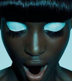 f-l-e-u-r-d-e-l-y-s: Pop'Africana, issue 1 photographer: Jamie Nelson, Oroma Elewa light blue Jamie Nelson, Eye Makeup, Hair Makeup, Makeup Art, Makeup Brushes, Coastal Scents, Shooting Photo, Tips Belleza, Black Is Beautiful