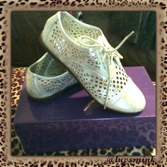 """MADDEN GIRL SILVER WINGTIP SHOES - NWT NIB, never worn.  Madden Girl, vegan leather, silver, open cut """"wing tip"""", lace up Oxford style shoes.  So sassy, cute, and eye-popping in a color that works with most anything in your wardrobe!!!  Size 7.5 M. Really sassy for dress up events!!! Price is FIRM, unless bundled. Steve Madden Shoes"""
