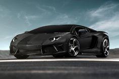 A Mansory achou que os elementos em carbono que o Lamborghini Aventador utiliza não são suficientes, por isso, revelou o Aventador carbonado