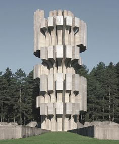 Photographs of Yugoslavia's Unmissable Brutalist Architecture Concrete Architecture, Minecraft Architecture, Futuristic Architecture, Contemporary Architecture, Architecture Design, Architecture Wallpaper, Beautiful Architecture, Brutalist Design, Brutalist Buildings