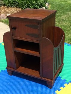 ANTIQUE WOOD COPPER HUMIDOR CIGAR/PIPE SMOKING CABINET STAND END-TABLE ART DECO