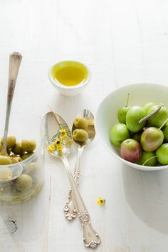 #photography #fresh arbequina olives #spain #home #aperitief #hors d'oeuvre #extra virgin olive oil #raw ingredients |A Petit Goût | via: elizabeth gaubeka photography