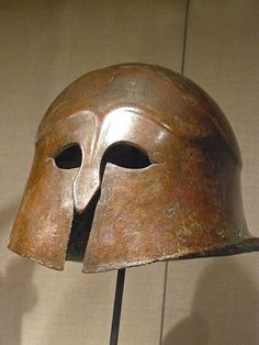 Corinthian-style bronze helmet Greek South Italy mid-4th-mid-3rd century BCE (1)