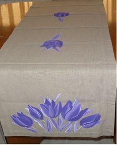 Camino de mesa con tulipanes - Paqui Juanola
