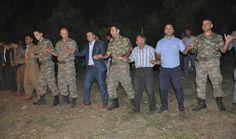 Komutanlar Kürtçe şarkılar eşliğinde halay çekti - http://turkyurdu.com/komutanlar-kurtce-sarkilar-esliginde-halay-cekti/