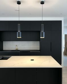 gorgeous black kitchen ideas for every decorating style 56 - Popular Modern Kitchen Design, Modern Interior Design, Interior Design Kitchen, Black Kitchen Cabinets, Black Kitchens, Wood Slat Wall, Happy New Home, Pastel Room, Cocinas Kitchen