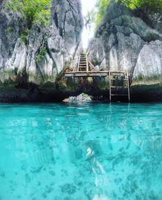 Stairway to paradise, Twin Lagoon, Palawan, Philippines