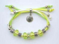 Bransoletka beads charms cudowna regulowana. Dla dziecka, dziewczyny, na prezent. Letnia kolorowa stylizacja. Do kupienia http://allegro.pl/bransoletka-beads-charms-cudowna-regulowana-i6847747738.html.