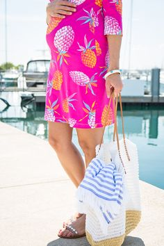 Pineapple print Persifor dress at the Chicago harbors. Easy fit for dressing the baby bump! Maternity Fashion, Maternity Dresses, Maternity Style, Sequins And Stripes, Pineapple Print, Beach Look, Sequin Dress, Spring Summer Fashion, Pregnancy