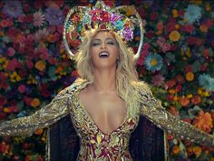 Beyoncé Stuns in Coldplay's Must-See Music Video for Their New Duet 'Hymn for the Weekend' http://www.people.com/article/beyonce-coldplay-hymn-weekend-music-video