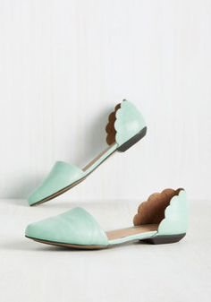 On the Scallop and Up Flat in Seafoam. Mood improvement, wardrobe elevation - is there anything these mint flats cant accomplish? #mint #wedding #modcloth