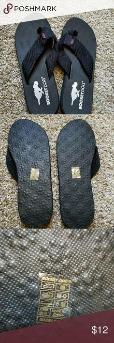 Rocket dog black flip flops sandals. Size 8 Rocket Dog Nina flipl flops. Worn 1x. Lightweight, comfortable. Rocket Dog Shoes Sandals