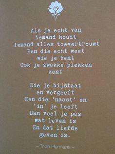 Hij wist wat woordkunst was. Poem Quotes, Words Quotes, Life Quotes, Favorite Quotes, Best Quotes, Dutch Words, Dutch Quotes, More Than Words, True Words