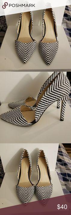 Banana Republic black and white heels 4 inch pumps Banana Republic Shoes Heels
