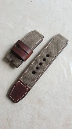 Handmade Green Canvas Leather Watch strap with buckle. Diy Leather Watch Strap, Leather Watch Bands, Leather Projects, Apple Watch Bands, Canvas Leather, Leather Working, Bracelet Watch, Handmade Leather, Etsy