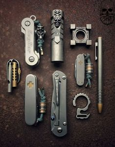 Bug Out Bag, Bushcraft, Silver Skull Ring, Skull Rings, Mens Gadgets, Everyday Carry Gear, Arc Notebook, Duct Tape Crafts, Silhouette Cameo Tutorials