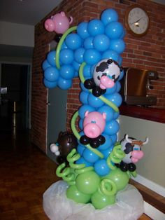 First Birthday, Barn Yard Animals Theme balloon sculpture