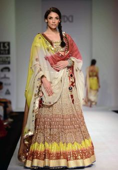 Indrani Dasgupta on the ramp for Poonam Dubey on Day 4 of Wills India Fashion Week. #Fashion #Style #Beauty #WIFW
