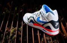 """Nike Air Tech Challenge II """"Photo Blue"""" Available 