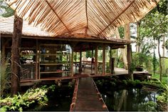 Stunning Balinesian jungle house reminds me of the yoga retreat in Costa Rica...I am ready for a Yoga trip with my fellow Yoginis