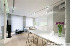 Very consistent and consistent interior design. The decor of elegant, functional, warm, makes a very good impression. Photos: HOLA Design, http://www.hola-design.com
