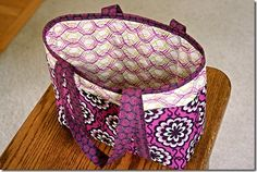 Tote bag with link to tutorial | Anjeanette