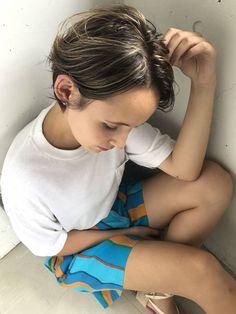 スタイリスト:小西敬二郎のヘアスタイル「STYLE No.27301」。スタイリスト:小西敬二郎が手がけたヘアスタイル・髪型を掲載しています。