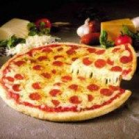 Posted on May 2016 How American is it to eat pizza? How Italian is it to eat pizza? Actually, pizza is popul. Pizza Hut, Slice Pizza, Crust Pizza, Pizza Dough, Pizza Sin Gluten, National Pizza, Leftover Pizza, Favourite Pizza, Good Pizza