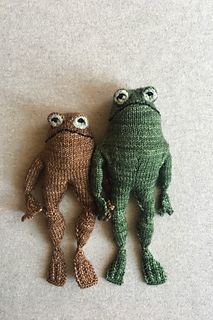 Ravelry: Frog and Toad pattern by Kristina Ingrid McGowan Knitting Projects, Crochet Projects, Knitting Patterns, Sewing Projects, Sewing Patterns, Crochet Patterns, Art Projects, Bear Patterns, Knitting Stitches