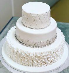Wir wünschen dem Brautpaar alles Gute 👰🤵🏼💍 . . . #lheiner #konditorei #konditor #kuk #zuckerbäcker #wien #österreich #mehlspeisen #marzipan…
