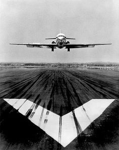 YellowKorner recommends a Photograph by JEAN DIEUZAIDE entitled Atterrissage caravelle. Discover our Photograph in various dimensions with a selection of finishes, on the YellowKorner website Airplane Photography, Sport Photography, Monochrome Photography, White Photography, Fine Art Photography, Travel Photography, Sud Aviation, Civil Aviation, Photo Avion