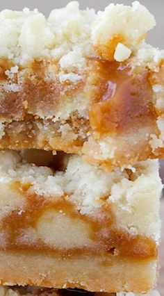 These Salted Caramel Butter Bars are incredibly easy! A delicious shortbread crumble surrounds a salted caramel filling for the perfect salty-sweet dessert! Köstliche Desserts, Delicious Desserts, Dessert Recipes, Yummy Food, Dinner Recipes, Breakfast Recipes, Baking Recipes, Cookie Recipes, Milk Recipes