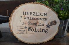 Türschild Herzlich Willkommen auf Baumscheiben von Majalino auf DaWanda.com