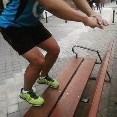 Todos ven un banco en #DespiertayEntrena vemos un #step urbano. #despierta #entrena #entrenamiento #superrutina #bienestar #salud #nonstop #Madrid #instafit #entrenamientopersonal #fb #correr #saltar #sinlímites #fitness #workout