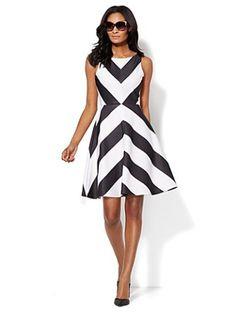 Chevron-Stripe Sleeveless Flare Dress - New York & Company