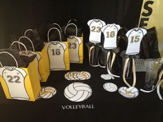 Volleyball Senior Night table or gift idea for an alumni game (put year graduated instead of jersey number) Volleyball Senior Gifts, Volleyball Locker Decorations, Volleyball Crafts, Volleyball Party, Volleyball Senior Pictures, Senior Night Gifts, Volleyball Mom, Coaching Volleyball, Basketball Gifts