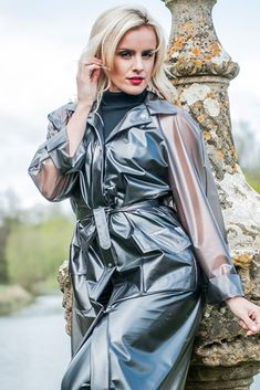 Vinyl Raincoat, Pvc Raincoat, Plastic Raincoat, Patent Trench Coats, Imper Pvc, Black Mac, Rain Mac, Vinyl Clothing, Rubber Raincoats