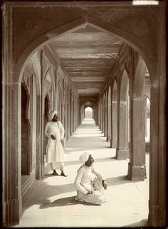 Cloisters at Akbar's Tomb, Agra, India, 1907 Herbert Ponting