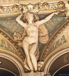 Hotel de Ville, Paris, gilded gold, sculpture / Garance Doré