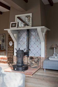 Portugese tegels in huis maison belle fire place haard en kachel pinterest fornuis - Scheiding in hout deco interieure ...