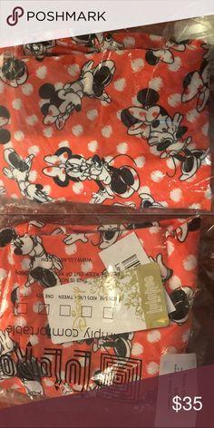 NWT Disney Lularoe OS Minnie Leggings Beautiful OS Leggings LLR Disney with Polka Dots and posing Minnie's. LuLaRoe Pants Leggings