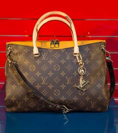 The Most Expensive Handbag In World 2019 - Handbag Foto Famous Altiliburda. Most Expensive Purse, Expensive Purses, Expensive Taste, Luxury Bags, Luxury Handbags, Top Designer Handbags, Designer Bags, Louis Vuitton Neverfull Monogram, Dior Handbags
