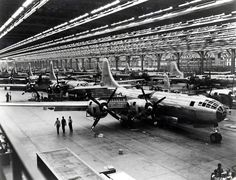 Boeing-Whichata B-29 Assembly Line - 1944 - World War II - Wikipedia, the free encyclopedia