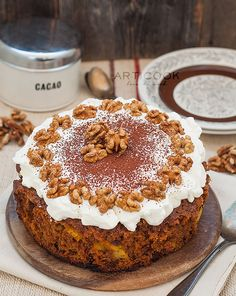 This Slow Cooker Carrot Cake is one of the easiest ones to make. In the end this cake is so moist and tastes incredible, it's hard to have just one piece. Crock Pot Food, Crock Pot Desserts, Slow Cooker Desserts, Cooker Recipes, Cream Cake, Ice Cream, Great Recipes, Favorite Recipes, Halloween Door