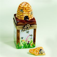 the honey bee shop | ... _french_handpainted_honey_comb_with_bees_and_loose_honey_box.jpg