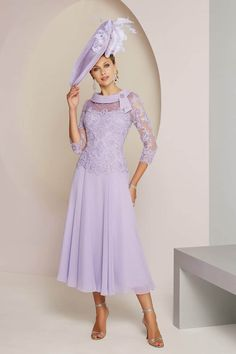 Veni Infantino is an internationally recognised designer who creates beautiful mother of the bride & evening dresses & gowns. Mother Of The Bride Dresses Long, Mother Of Bride Outfits, Mothers Dresses, Designer Wedding Dresses, Bridal Dresses, Bridesmaid Dresses, Tea Length Dresses, Skirt Fashion, Beautiful Dresses