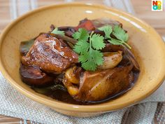 Easy recipe for Braised Chicken with Carrots and Mushrooms. Ultimate comfort home-cooked food which can be whipped up in 15 minutes flat.