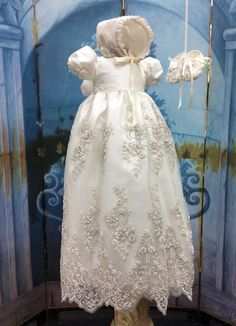 66e05daf7cef43d5bbe9c1c395ca1f9e--baby-christening-gowns-baptism-gown.jpg (570×788)